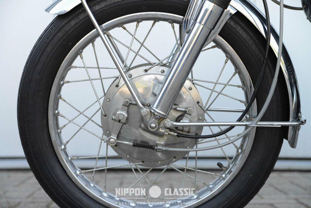 Wirkungsvolle 200 mm Duplex-Bremse am Vorderrad