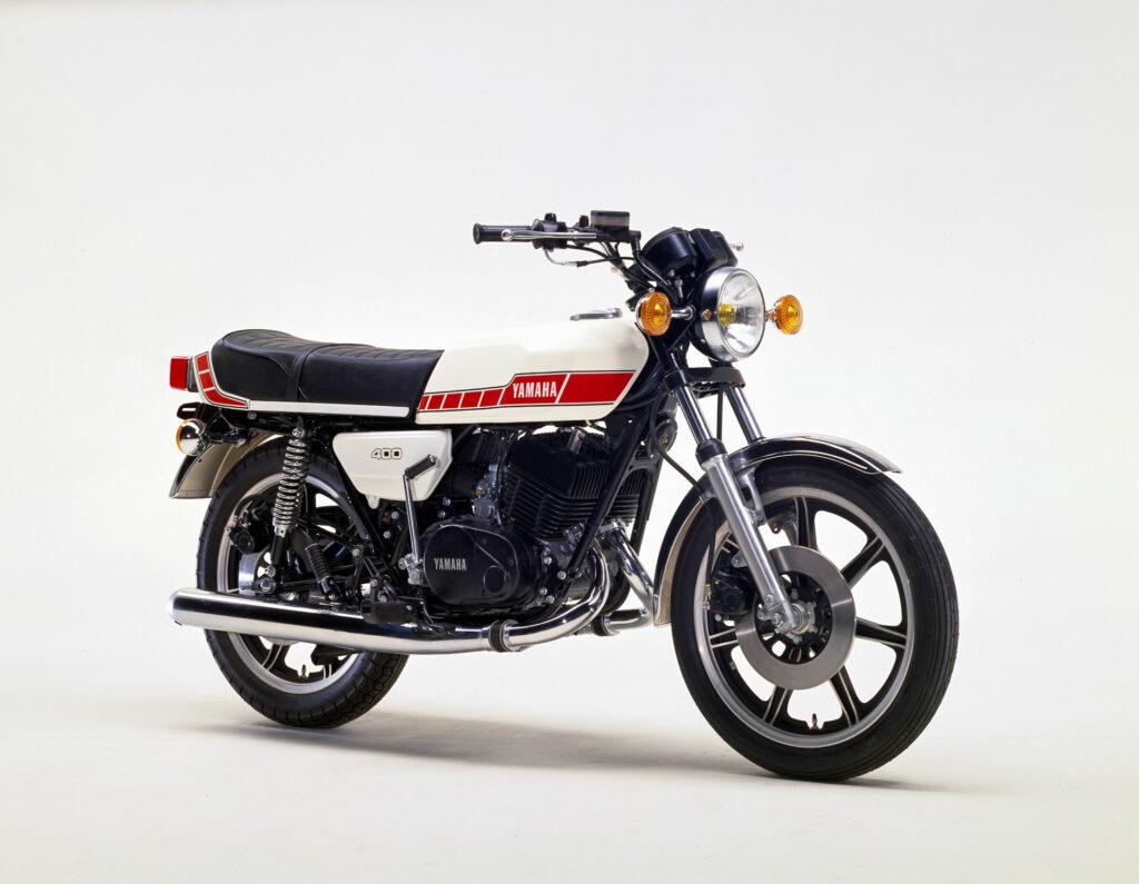 Die Yamaha RD 400 war die letzte, bei denen Alltagstauglichkeit und Langlebigkeit im Vordergrund standen
