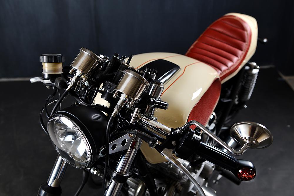 Die Suzuki GS zieren klassische Instrumente, Blinker und Schalter