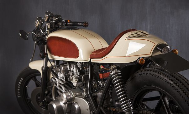 Suzuki GS 550 Race Cream