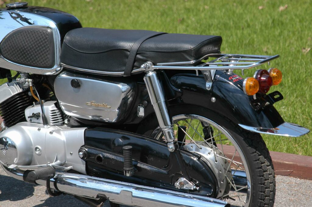 Vollgekapselter Antrieb der Suzuki T10