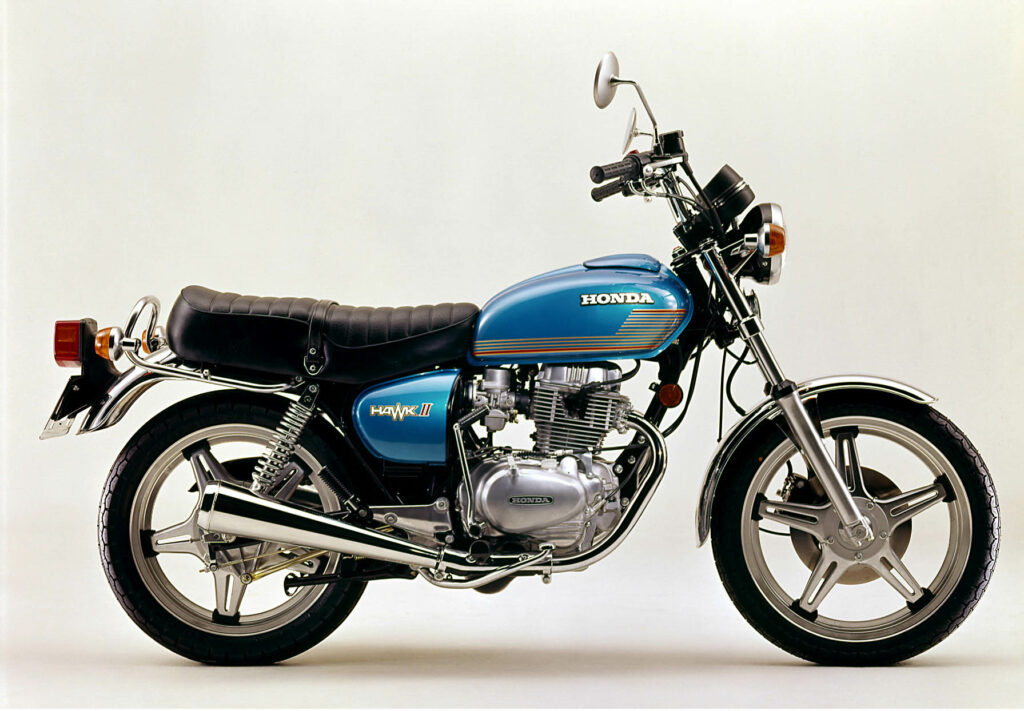 Honda CB 400 T mit Dreiventil-Zylinderkopf