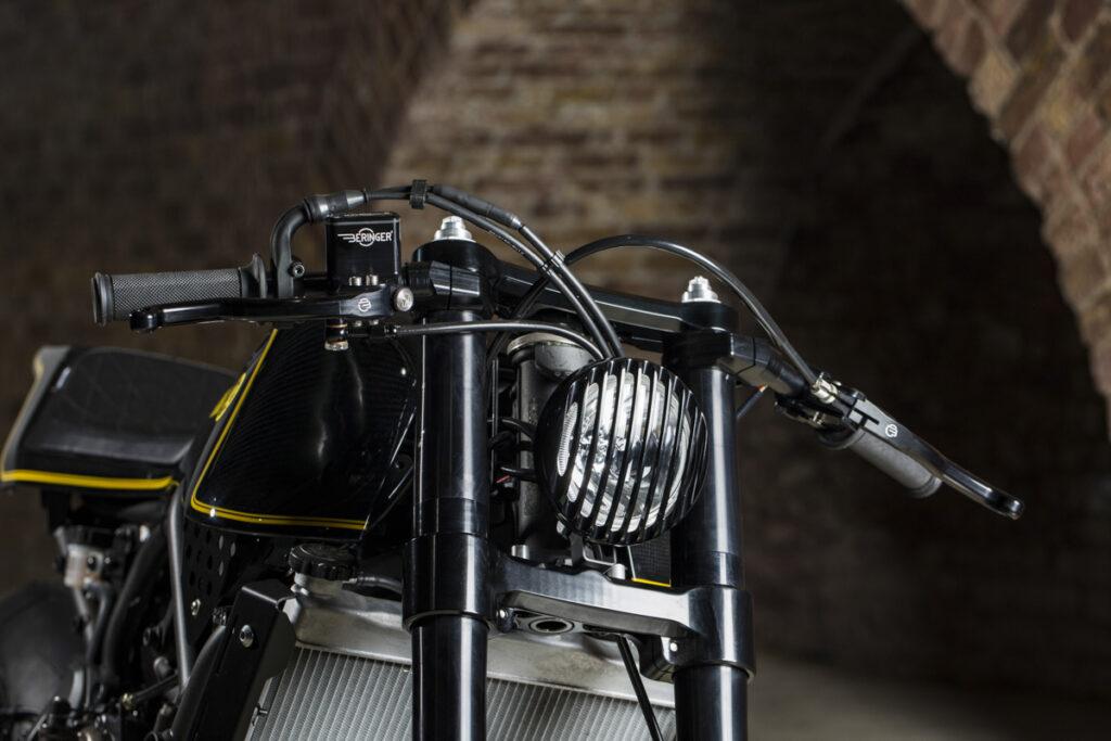 Typischea Rough Crafts Anbauteil: Scheinwerfer mit Gitter
