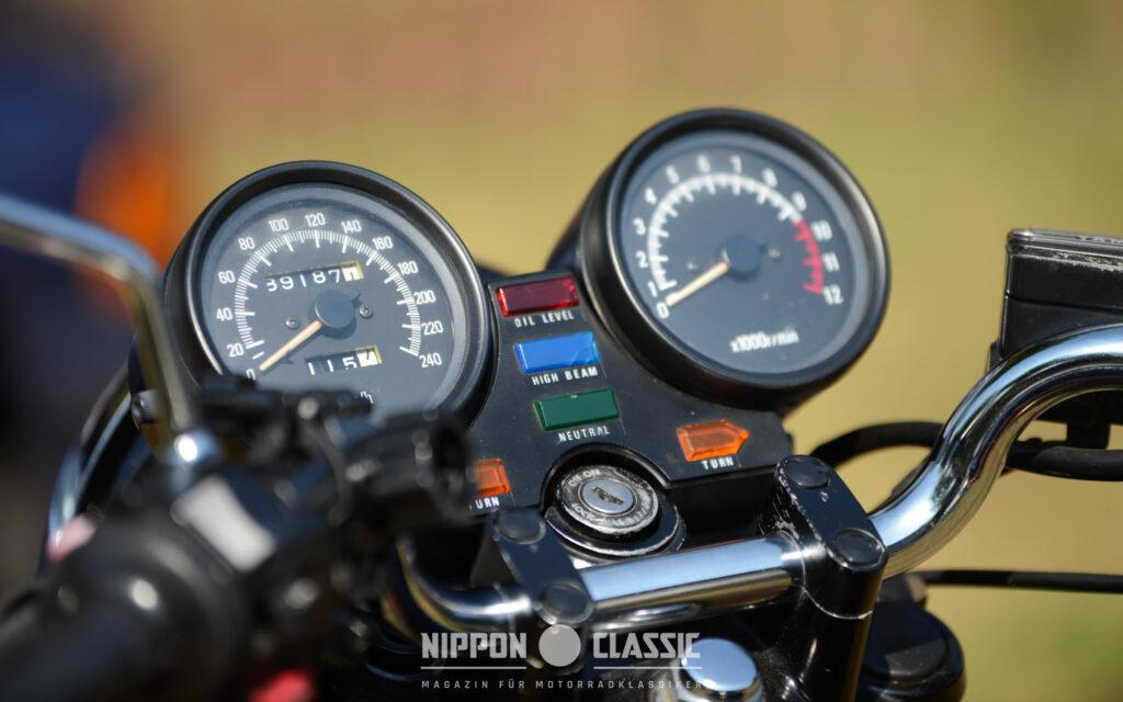 Yamaha spendierte der XJ 900 klassische Rundinstrumente