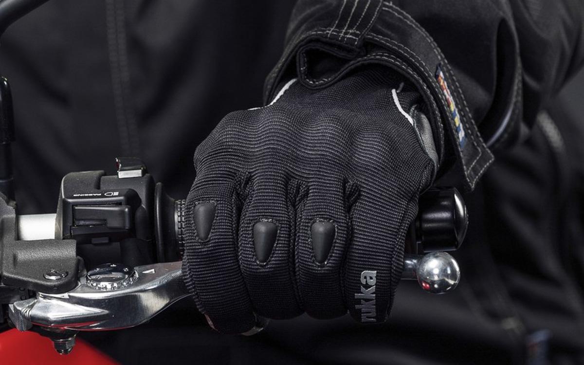 Handschuhpflicht in Frankreich