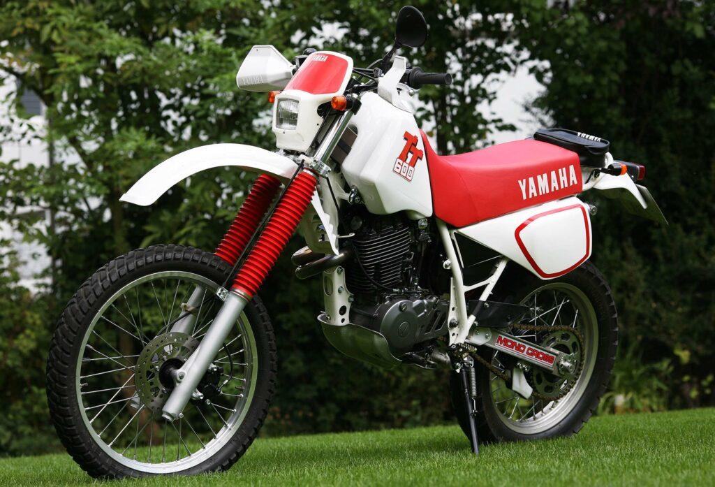 1983 wurde von YAMAHA die erste 600 Kubikzentimeter Einzylinder Enduro vorgestellt