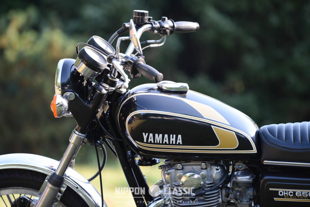 Der Rahmen der Yamaha XS 650 wurde verstärkt und die Fahrwerksgeometrie entscheidend verbessert