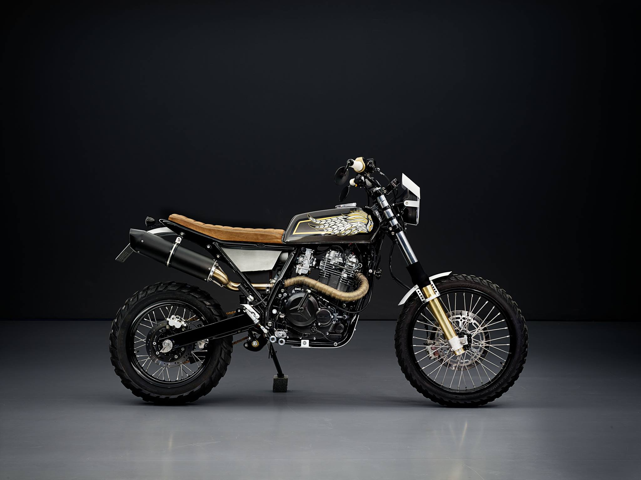 suzuki dr 800 scrambler customized dr big. Black Bedroom Furniture Sets. Home Design Ideas
