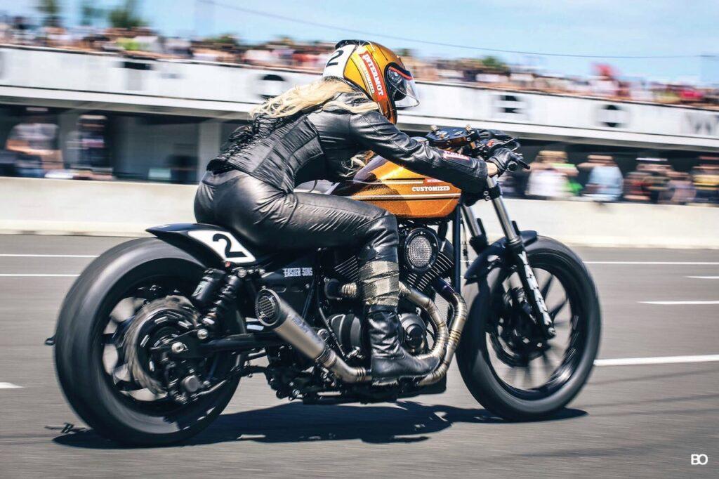 Die XV 950 R Dragger beim Essenza Sprint auf dem Café Racer Festival im französischen Montlhéry