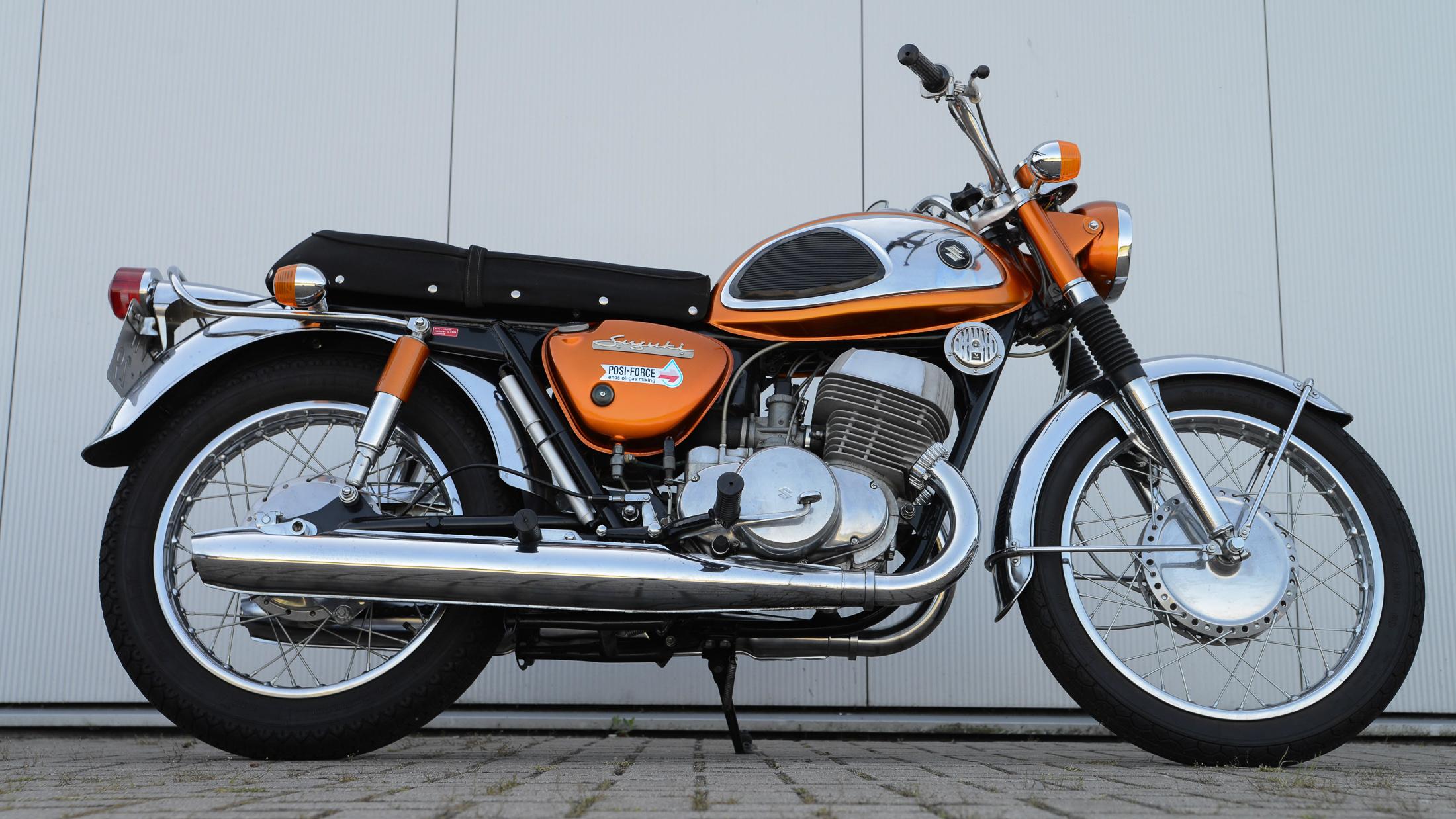 """Suzuki T 500 """"Titan"""""""