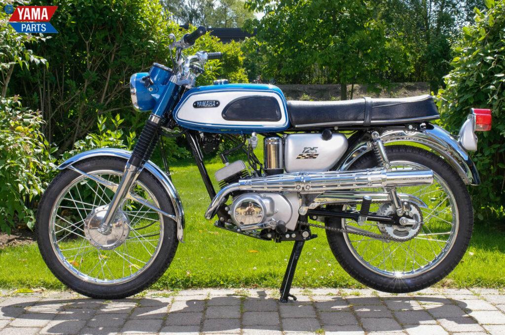 Die kleine 125er Yamaha gab es auch als Scrambler