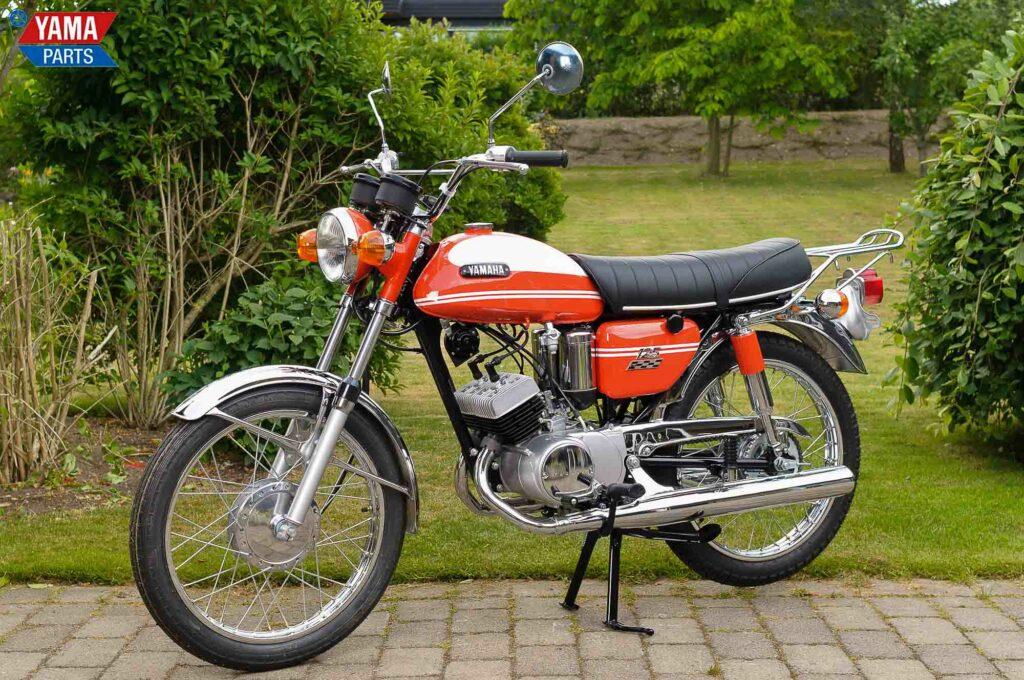 Die Yamaha AS2 unterschied sich vor allem durch ein neues Design