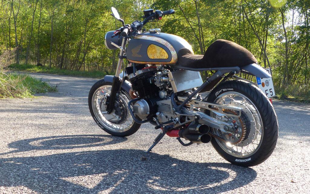 Mit der originalen Honda CBX 550 ... (Foto: Lars Fischer)
