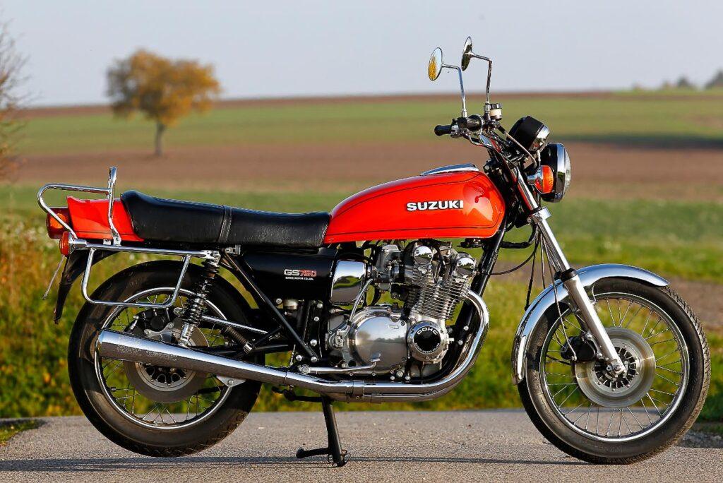 Doppelpremiere: neben der GS 400 debütierte auch die Suzuki GS 750 1976