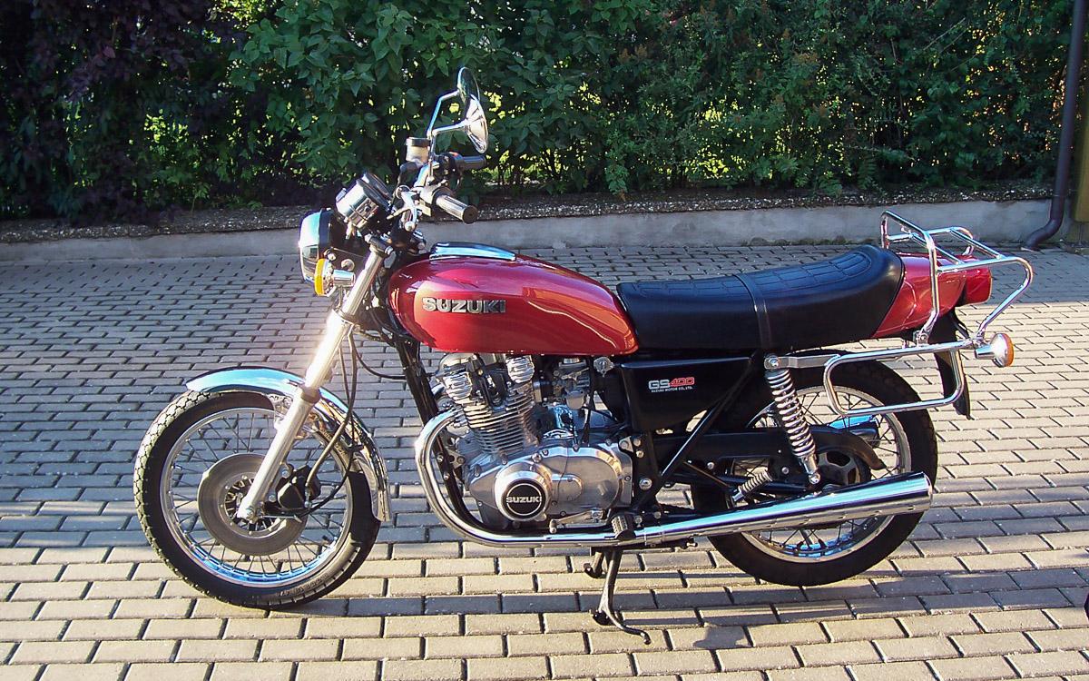 Suzuki GS 400 B von 1976