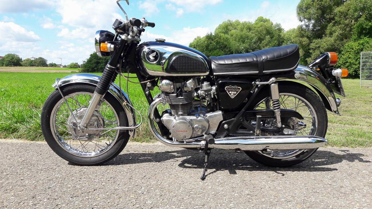 "Honda CB 450 ""Black Bomber"""