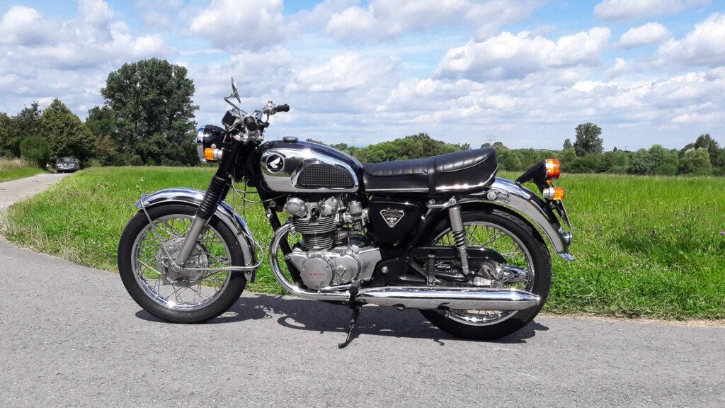 1968 wurde das Design der CB 450K deutlich schlanker