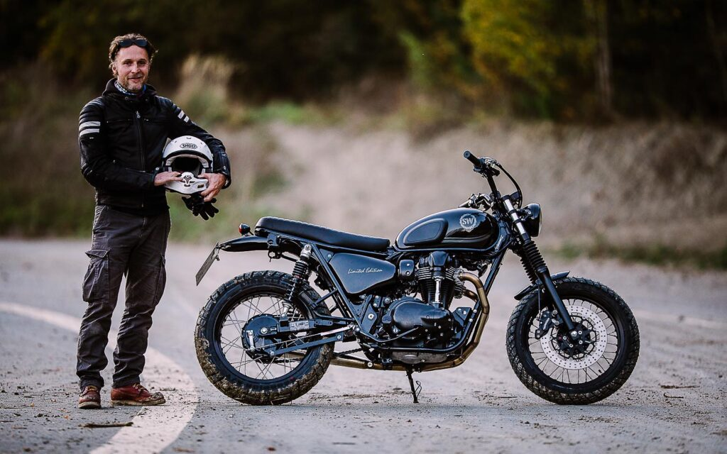 """Der Schöpfer und sein Werk: Kawasaki W 800 """"Black Edition"""""""