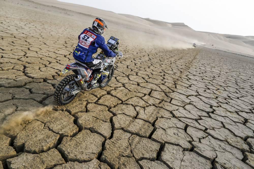 Abwechslung zu Dünen: trockene Pisten auf der 3. Etappe der Dakar 2018