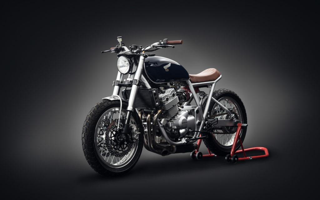 Mit der Honda CB 400 Four hat Mandrill Garage...
