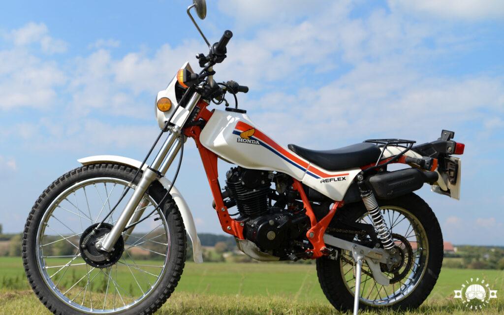Das Trial-Motorrad hatte vorn eine ölgedämpfte Telegabel mit 160 mm Federweg