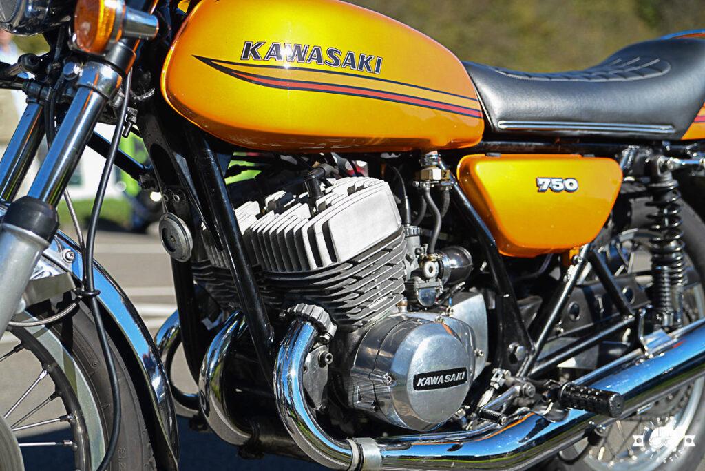 Der Kawa 750 H2 Triple leistet bis zu 74 PS