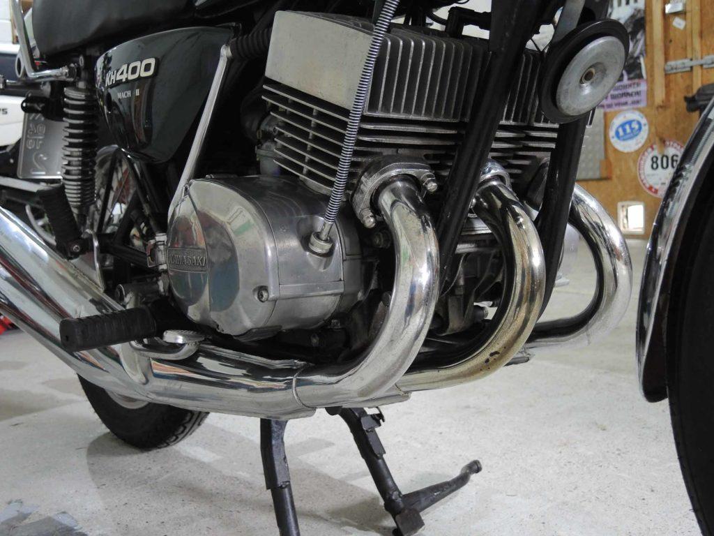 Der Dreizylinder-Motor der KH 400 leistete 36 PS