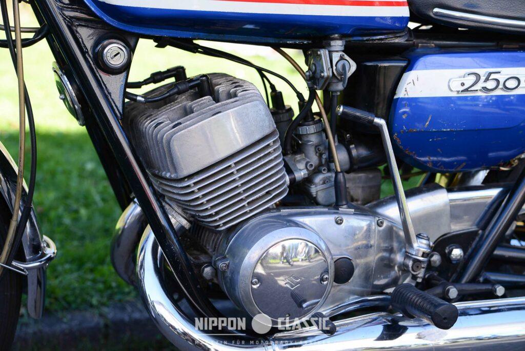 Kraftpaket - der T 250 Motor verfügte über eine Literleistung von unvorstellbaren 133 PS!
