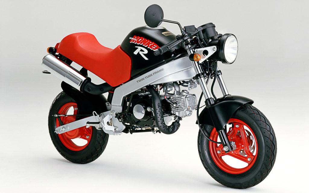 Sportliches Honda Monkey R-Modell mit Brückenrahmen und Scheibenbremse vorne