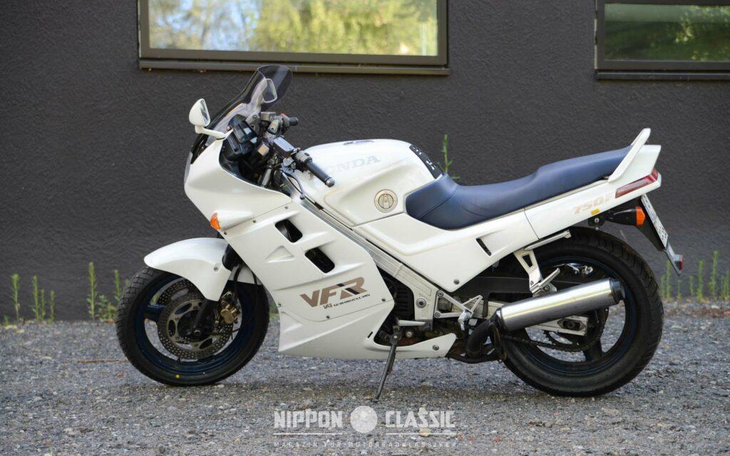 Der Motor der Honda VFR 750 F punktet mit hoher Zuverlässigkeit