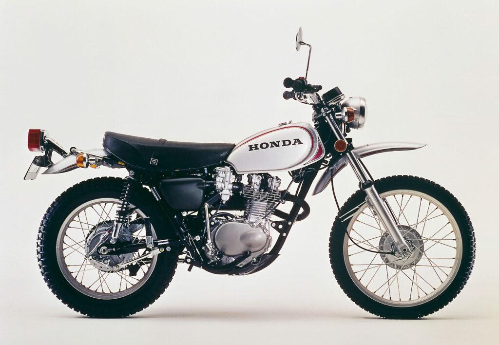 Den Auftakt macht die Honda SL 250S im Jahr 1972