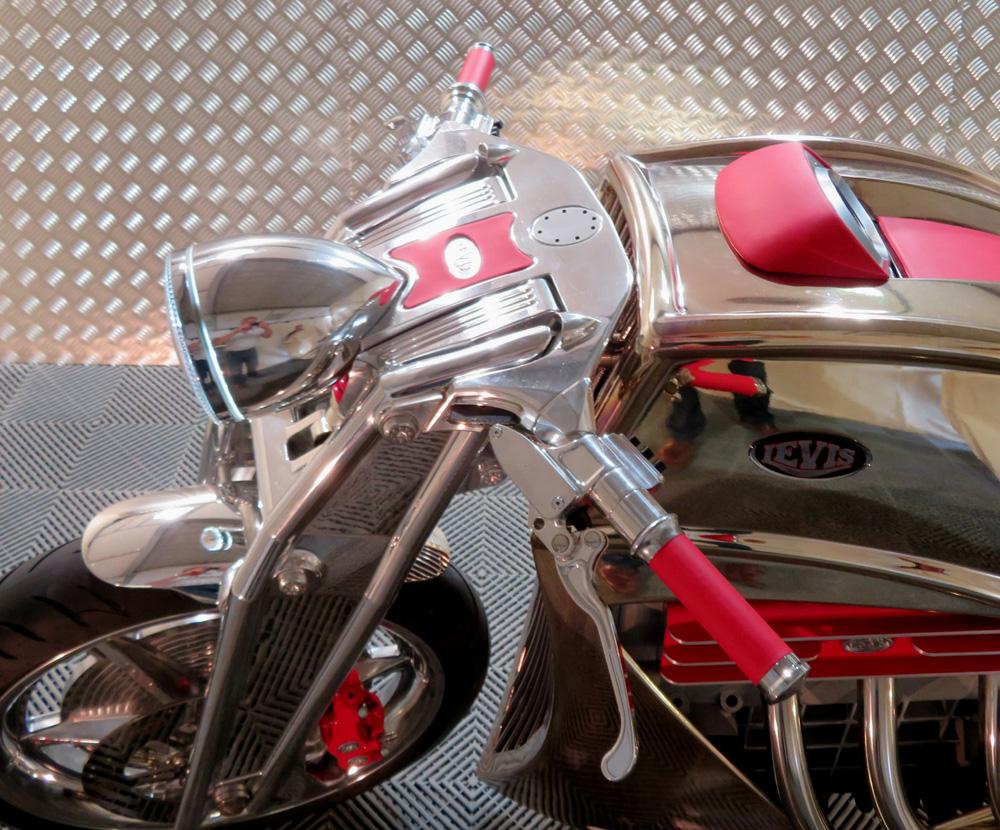 Viele Teile der V6 Café Racer sind aus dem Vollen gefräst