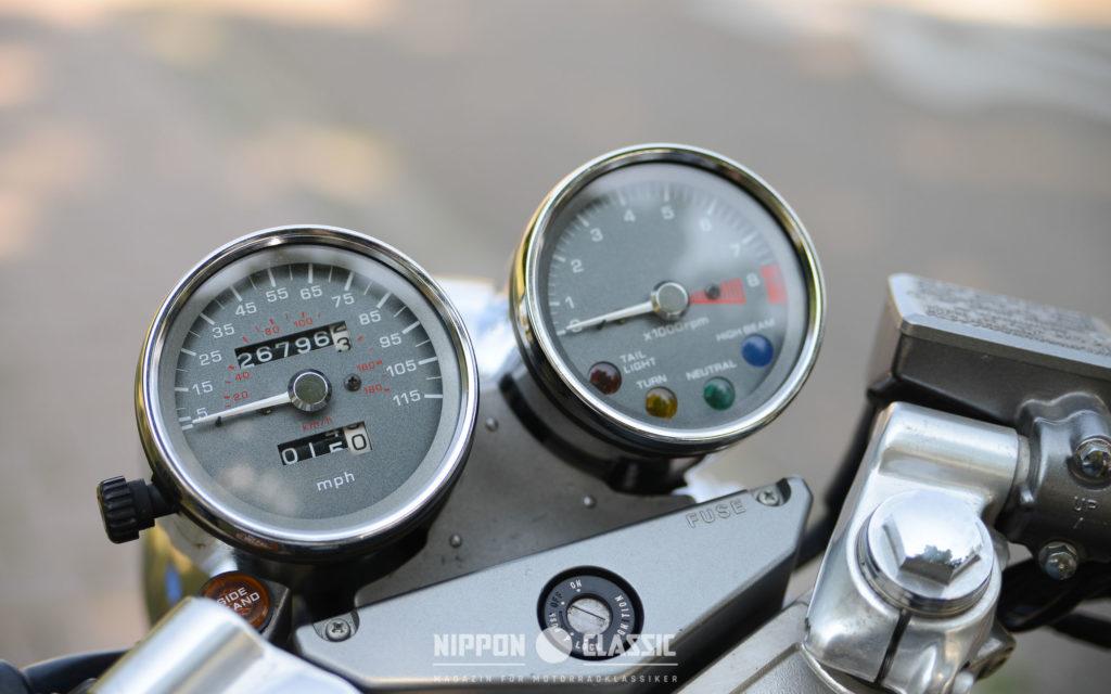Edel: in Chrom eingefasste Instrumente der Honda GB 500
