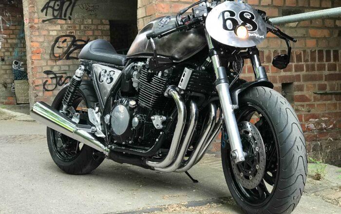 """Die Yamaha XJR 1300 wurde als """"Ace of Spades"""" Racer wieder zum Leben erweckt"""