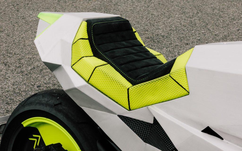 Die Verkleidung der XSR 700 besteht aus verschweißten Aluminium-Polygonen