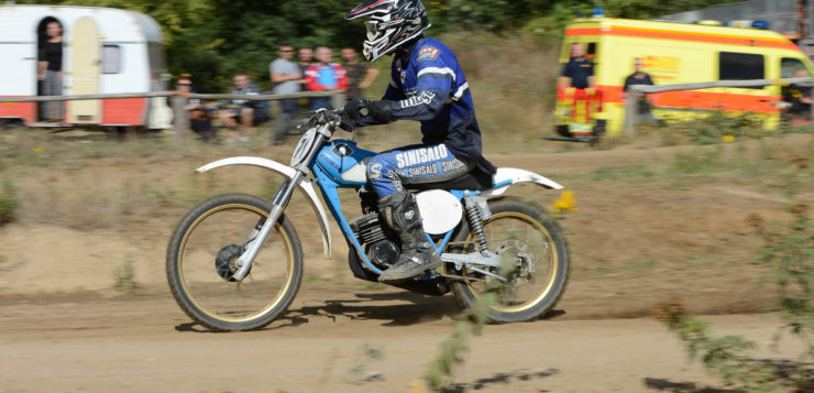 Moped Cross