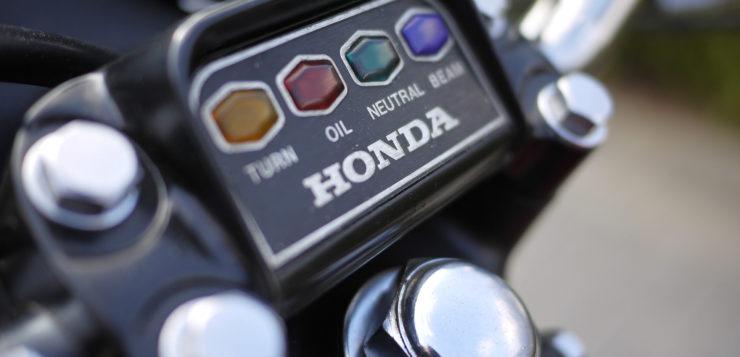 Moderne zieht ein - Kontrolleuchten der Honda CB 750 Four