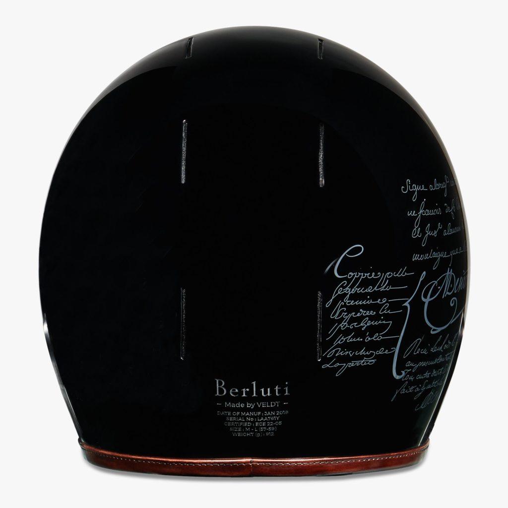 Der Veldt Berluti Helm besitzt eine hochwertige Ausstattung