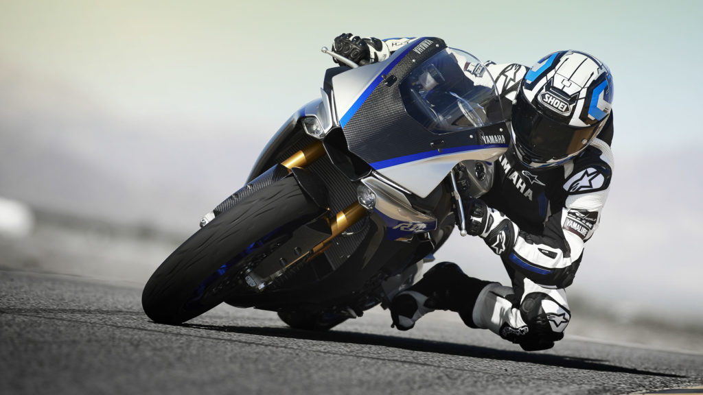 Käufer der YZF-R1M können an der mehrtägigen Yamaha Racing Experience teilnehmen