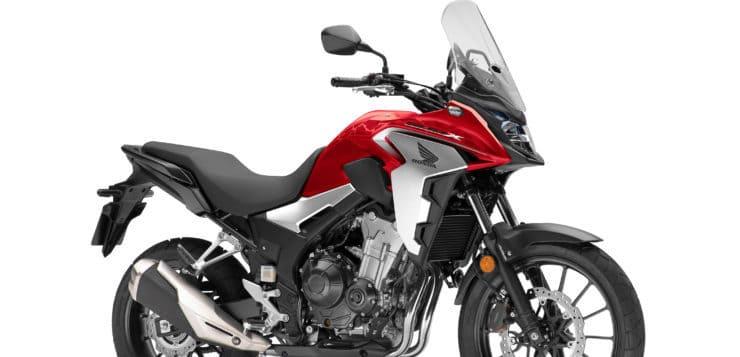Die Honda CB 500X gibt es auch in Grand Prix Red