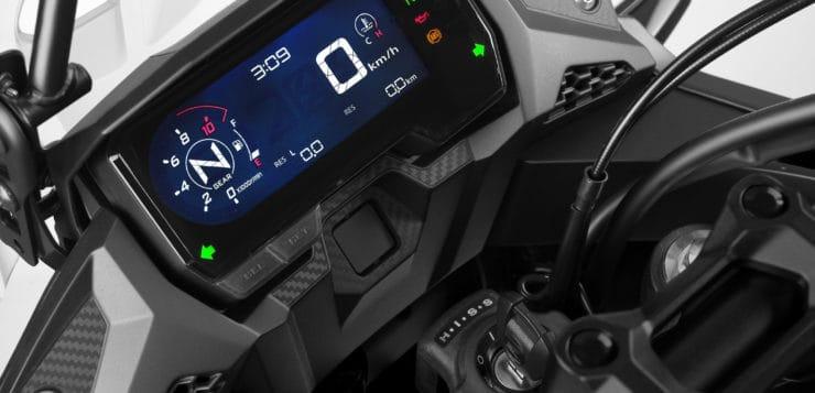 Neues Cockpit der Honda CB 500X (2019)