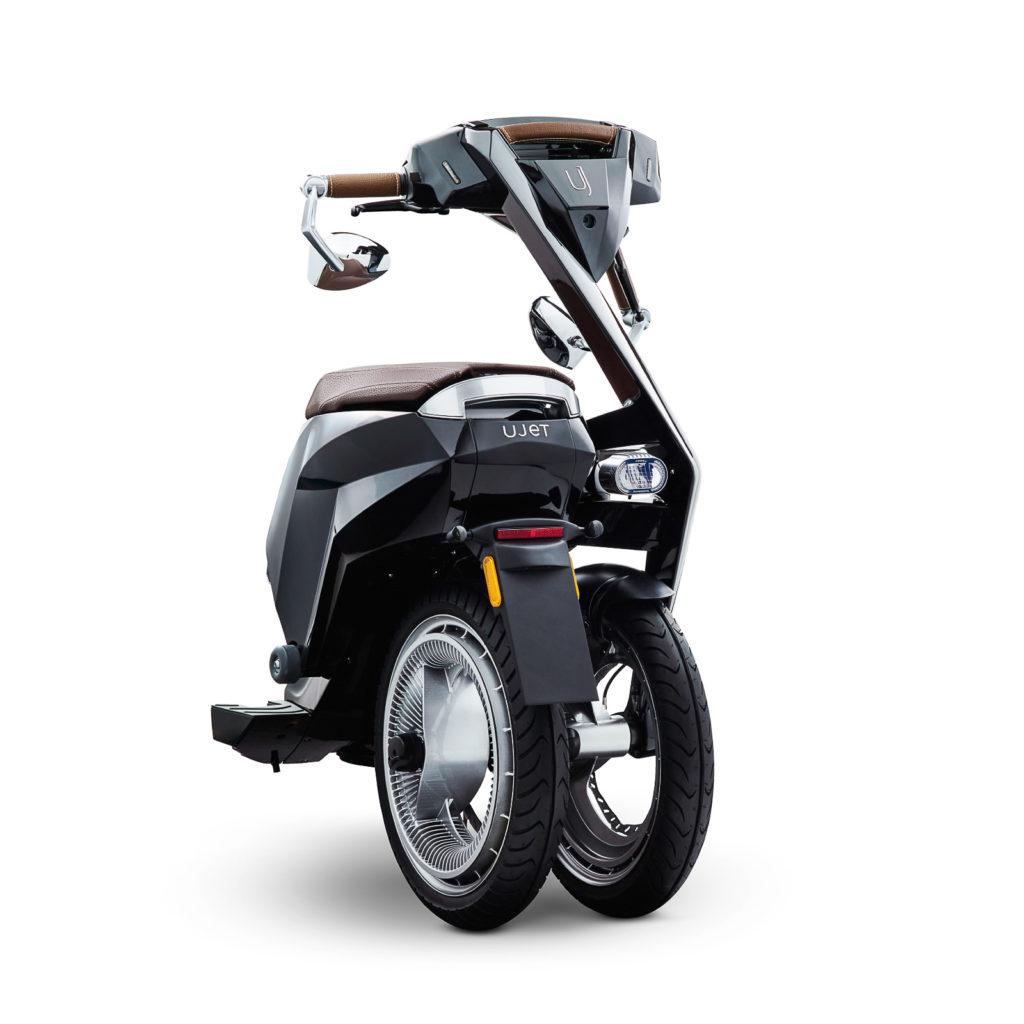Der Ujet E-Scooter ist faltbar und passt in jede Nische