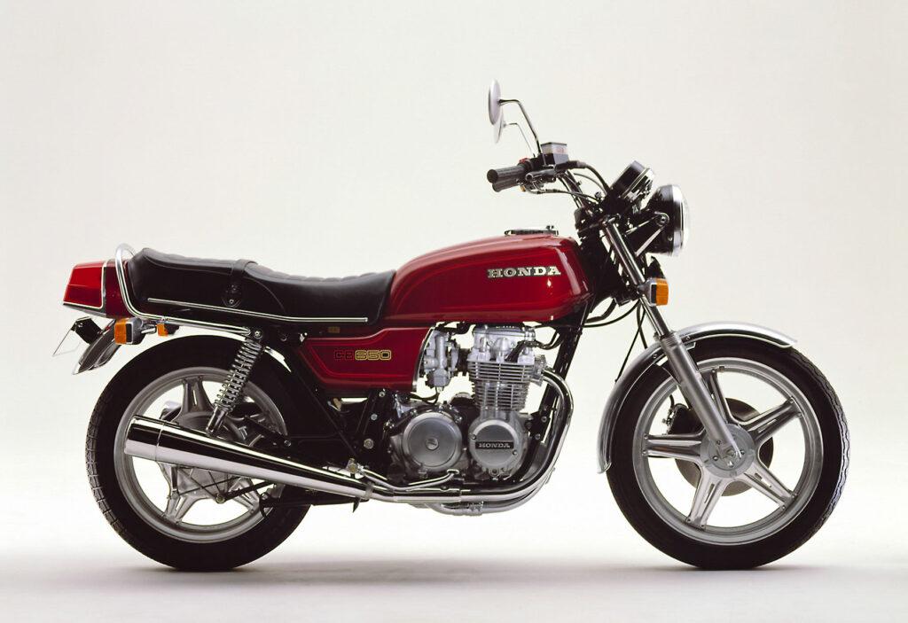 Der Motor der Honda CB 650 entstammt noch der Zweiventiler-Generation (Quelle: Honda Motor Co.)