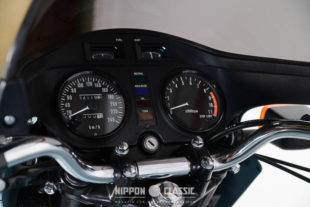 Blick ins Cockpit der Z1R