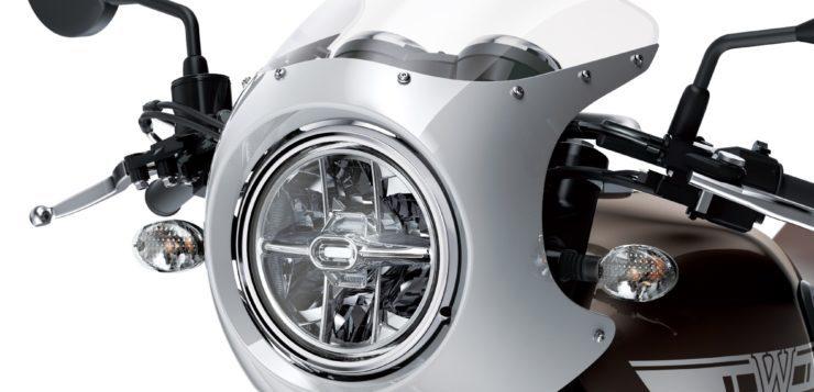 Die W800 bekommt 2019 LED-Scheinwerfer und die Cafe-Version eine kleine Verkleidung