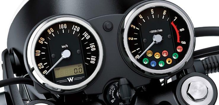 Klassische Rundinstrumente der neuen W800 (2019) mit zusätzlichen Kontrollleuchten