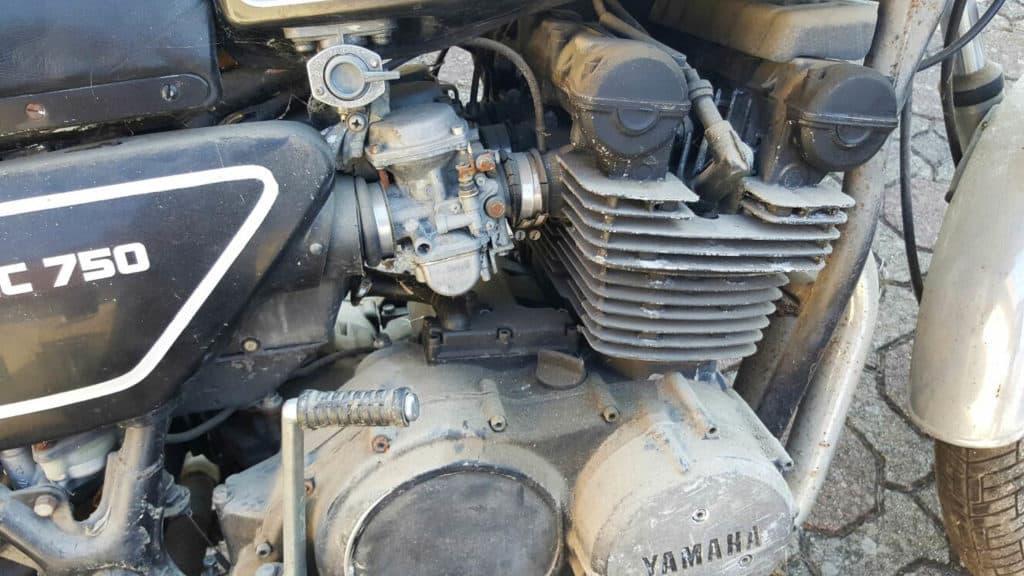Die 77er Yamaha XS 750 stand 23 Jahre lang rum