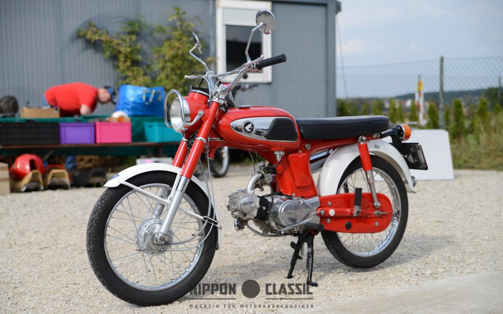 Früher wurden zum Schutz einfache Motorradketten komplett gekapselt