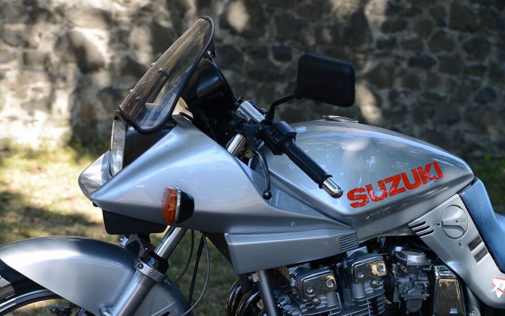 Alle Suzuki Katana Modelle auf einer Seite