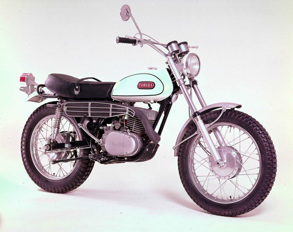 Mit der Yamaha DT1 päsentierte das Unternehmen 1968 ein Shooting Star